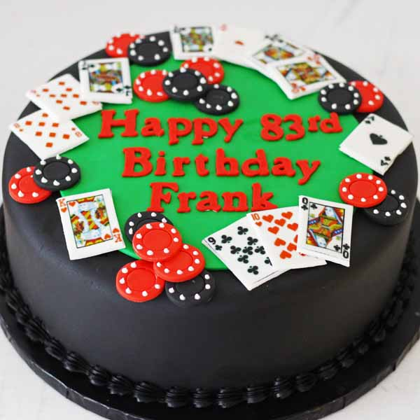 poker table fondant cake