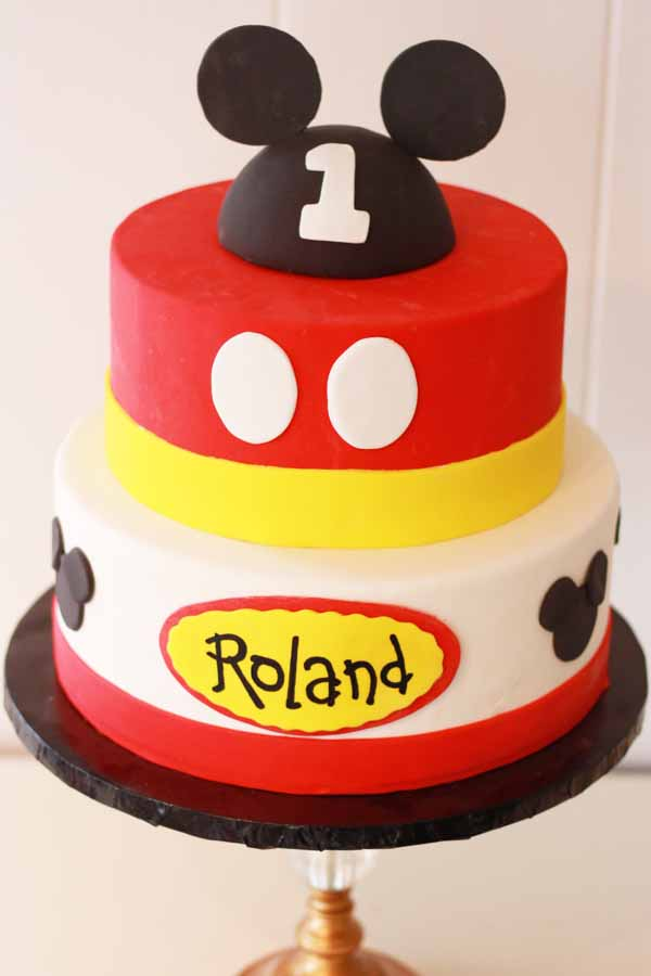 mickey mouse tiered cake