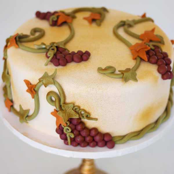 fondant grapes and grape vine cake
