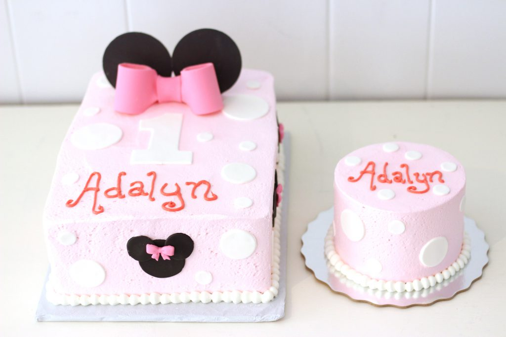 first birthday minnie mouse cake with matching smash cake