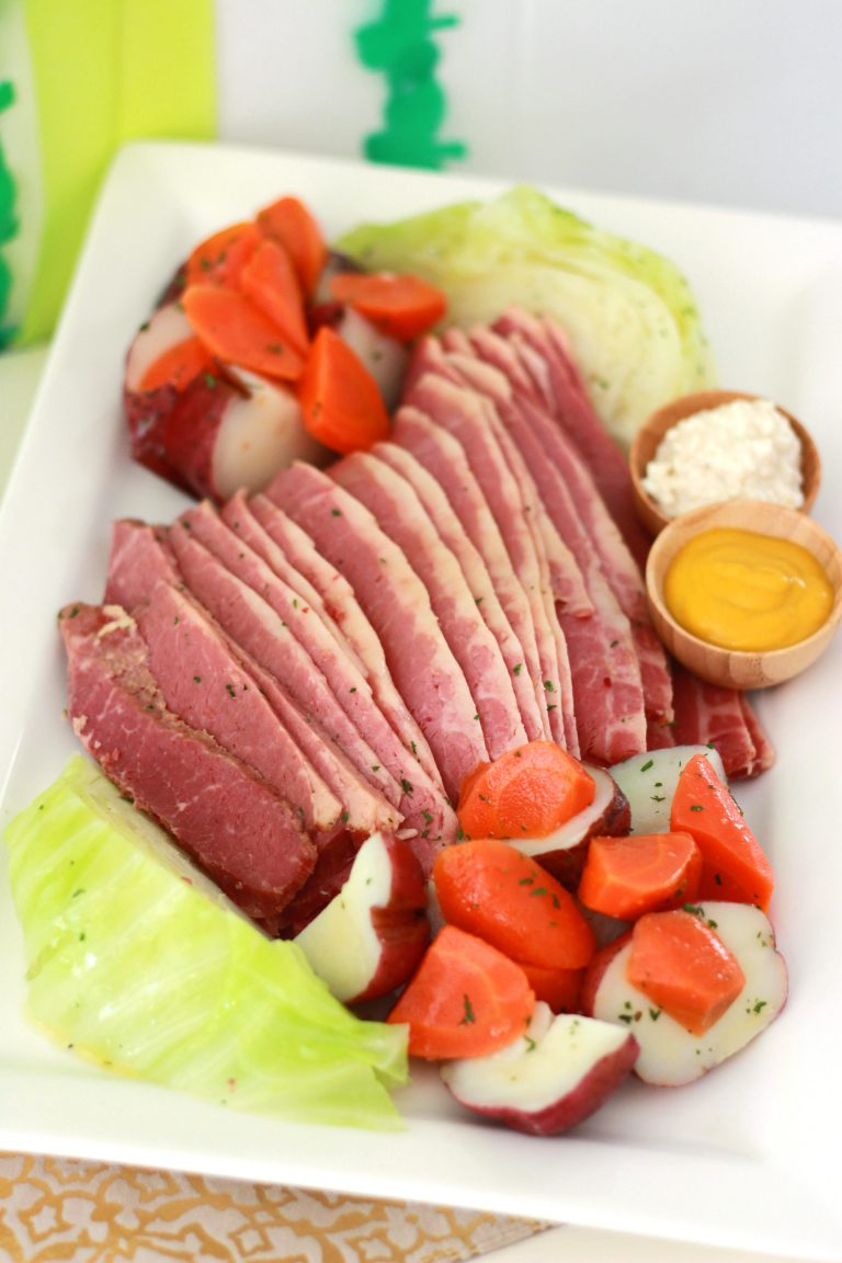 st patricks day corned beef cabbage dinner potatoes carrots